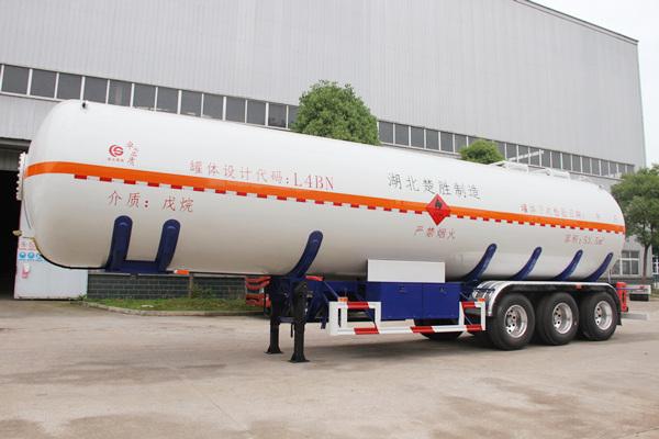 long8手机pt客户端牌53.5m³易燃液体罐式运输半挂车(戊烷)