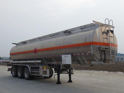 亚博体育网页版牌三轴直罐铝合金运油半挂车