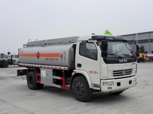 亚博体育网页版牌大多利卡加油车(柴油版)