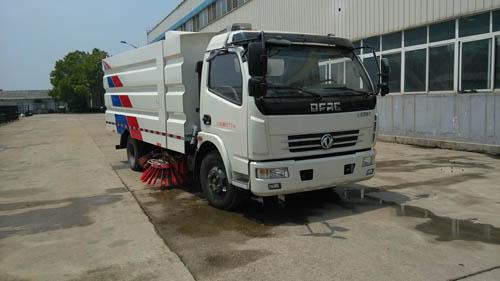 亚博体育网页版牌CSC5082TSL5型扫路车