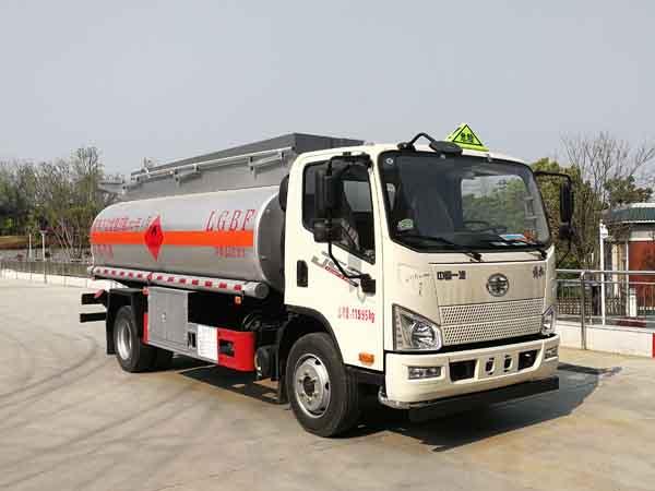 亚博体育网页版牌CSC5120GYYCA6型运油车
