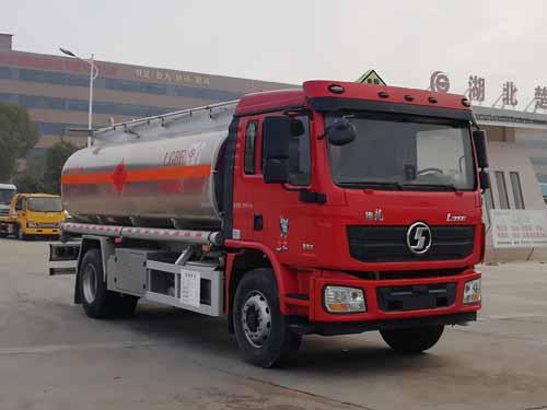 亚博体育网页版牌CSC5189GYYLS6型铝合金运油车