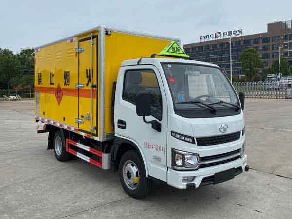 亚博体育网页版牌CSC5043XQYSH6型爆破器材运输车