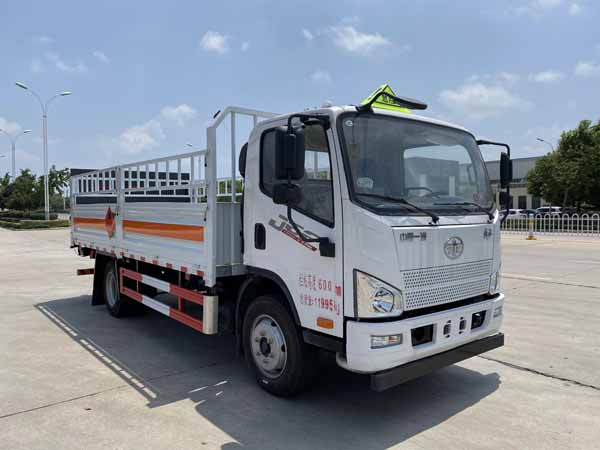 亚博体育网页版牌CSC5120TQPCA6型气瓶运输车