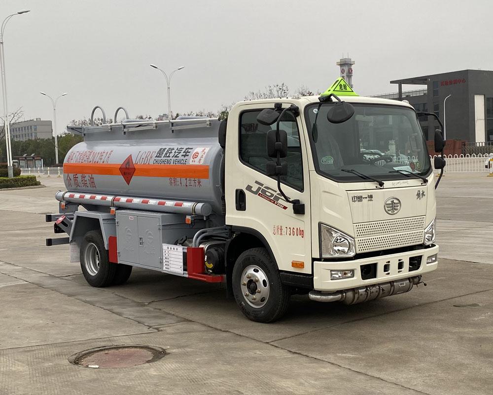 楚胜牌CSC5070GJYC6A型加油车