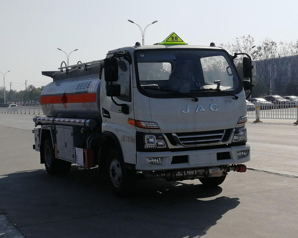 楚胜牌CSC5071GJYJH6A型加油车