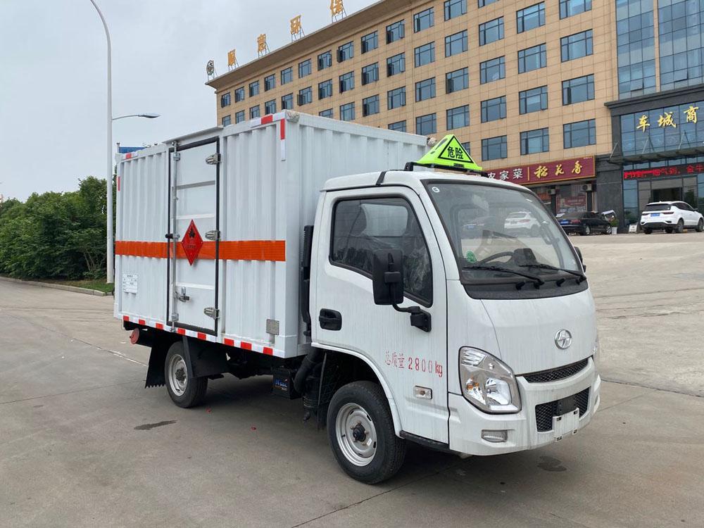楚胜牌CSC5031XRYSH6型易燃液体厢式运输车