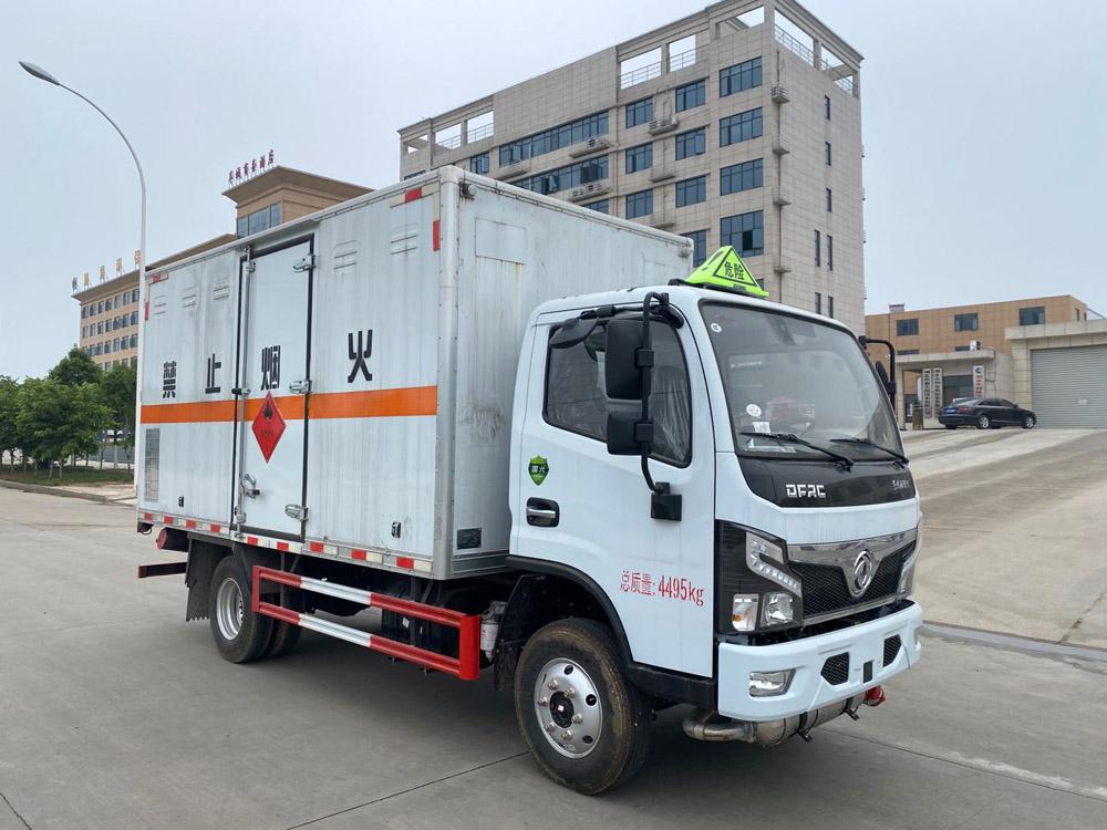 楚胜牌CSC5041XRY6型易燃液体厢式运输车