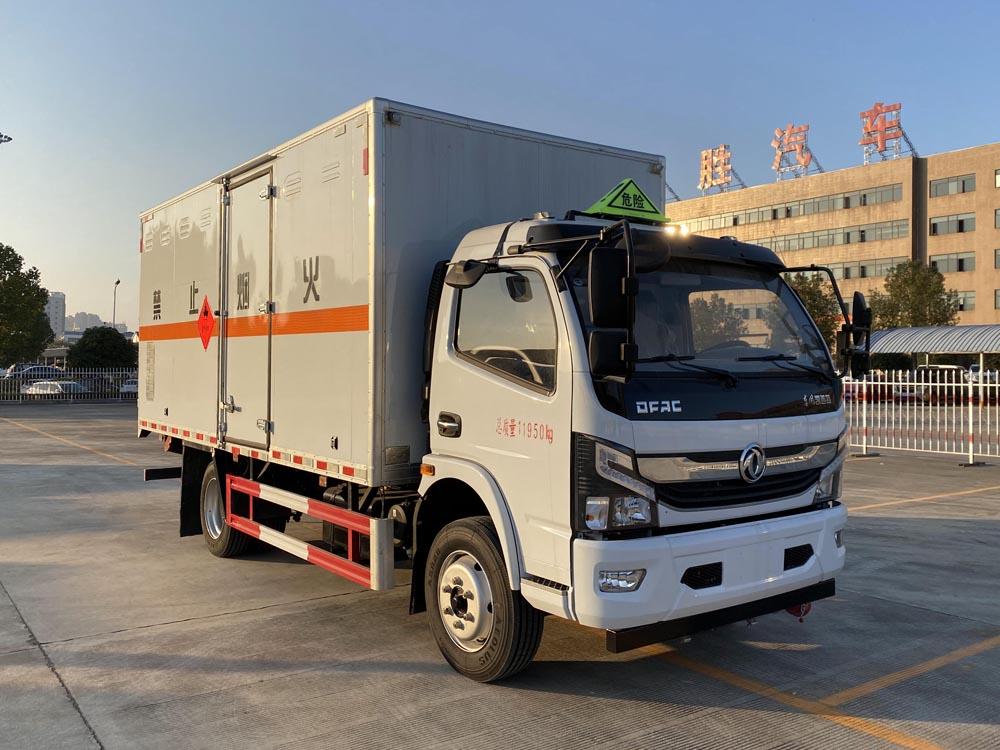 楚胜牌CSC5125XRY6型易燃液体厢式运输车