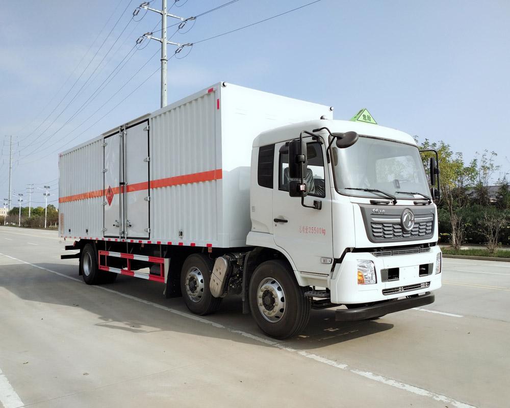 楚胜牌CSC5260XRYD6型易燃液体厢式运输车